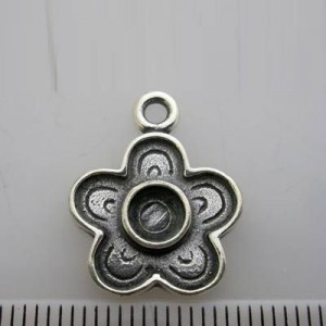 20x16mm Flower Pendant / Charm for 5mm Cabochon Pewter W/ Ant Silver Finish 10pcs