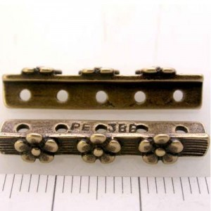 26mm 5-Row Spacer W/ 3 Daisies Pewter W/ Ant Brass Finish 4pcs