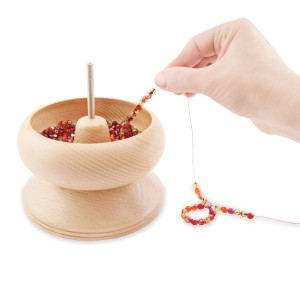 Beadalon® Spin-N-Bead Senior size 14cm (5.5in) height x 14cm (5.5in) width with 1 Curved Rigid Beading Needle