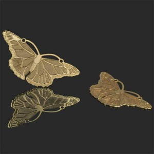 20x45mm Butterfly Bas-Relief Charm Forever Gold™ 1pc