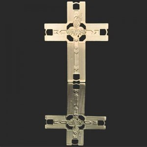 41x31mm Cross W Barbed Flaming Heart Forever Gold™ 1pc
