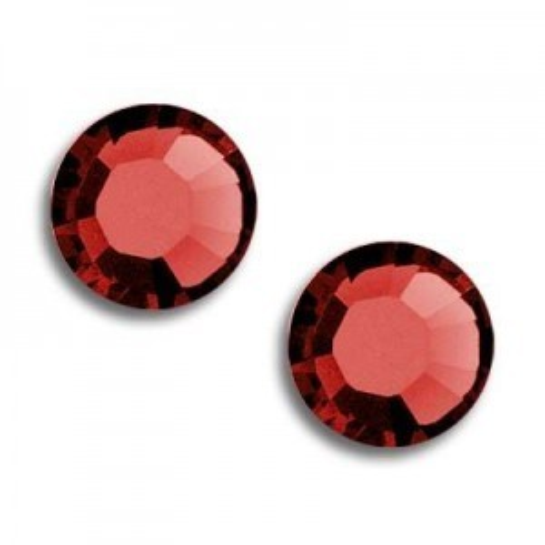 34ss Xilion Hotfix Light Siam Satin Art. 2028hf Swarovski® Austrian Crystal Stones